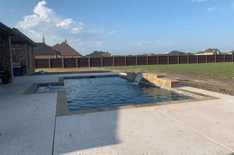 Pool builder in Red Oak, TX