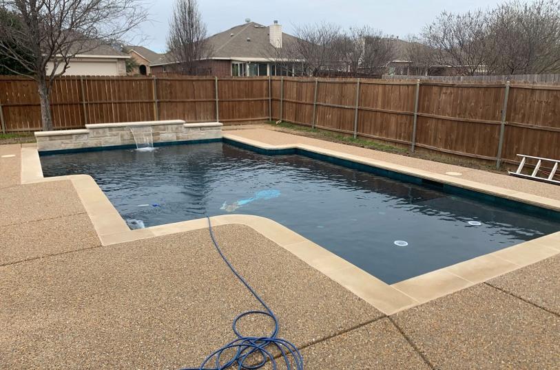 Modern inground pool in Glen Heights