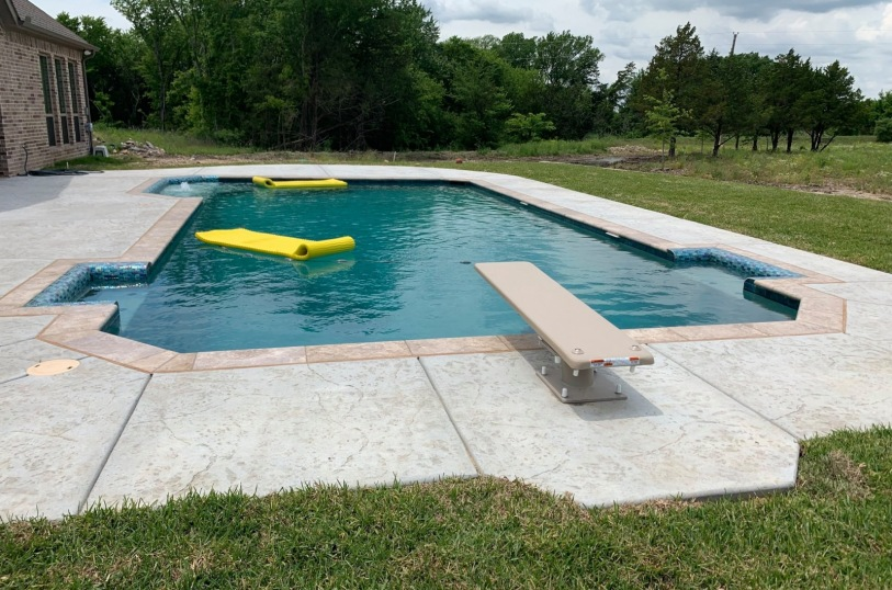Custom pools in Red Oak, TX