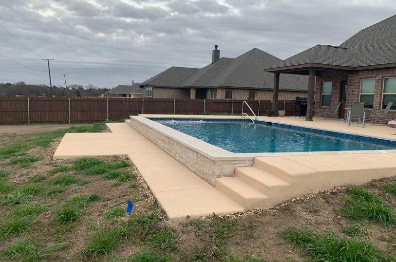 Inground swimming pools in Glen Heights