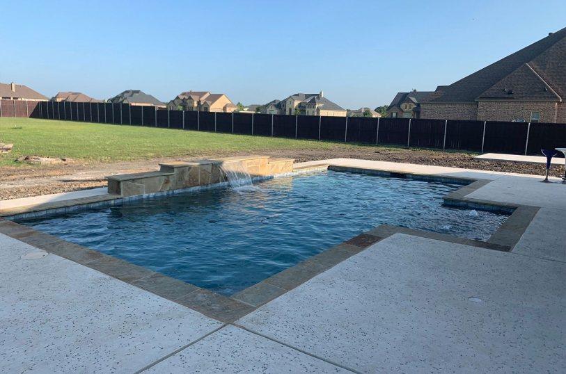 Modern inground pool in Mansfield, TX
