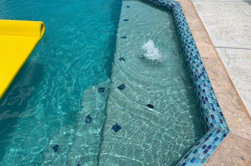 Underwater fountain jet